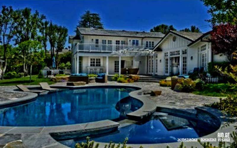 Selena Gomez house in los angeles